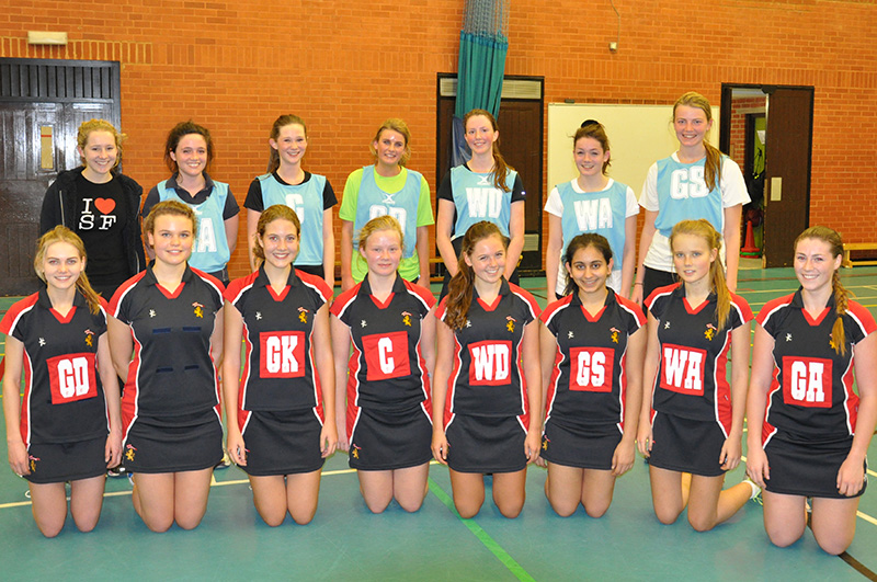 Old King's Club netball team and 2013-14 KCS Netball team